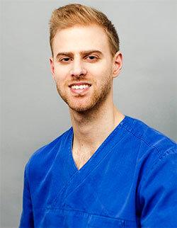 Dr. Csernák Ádám
