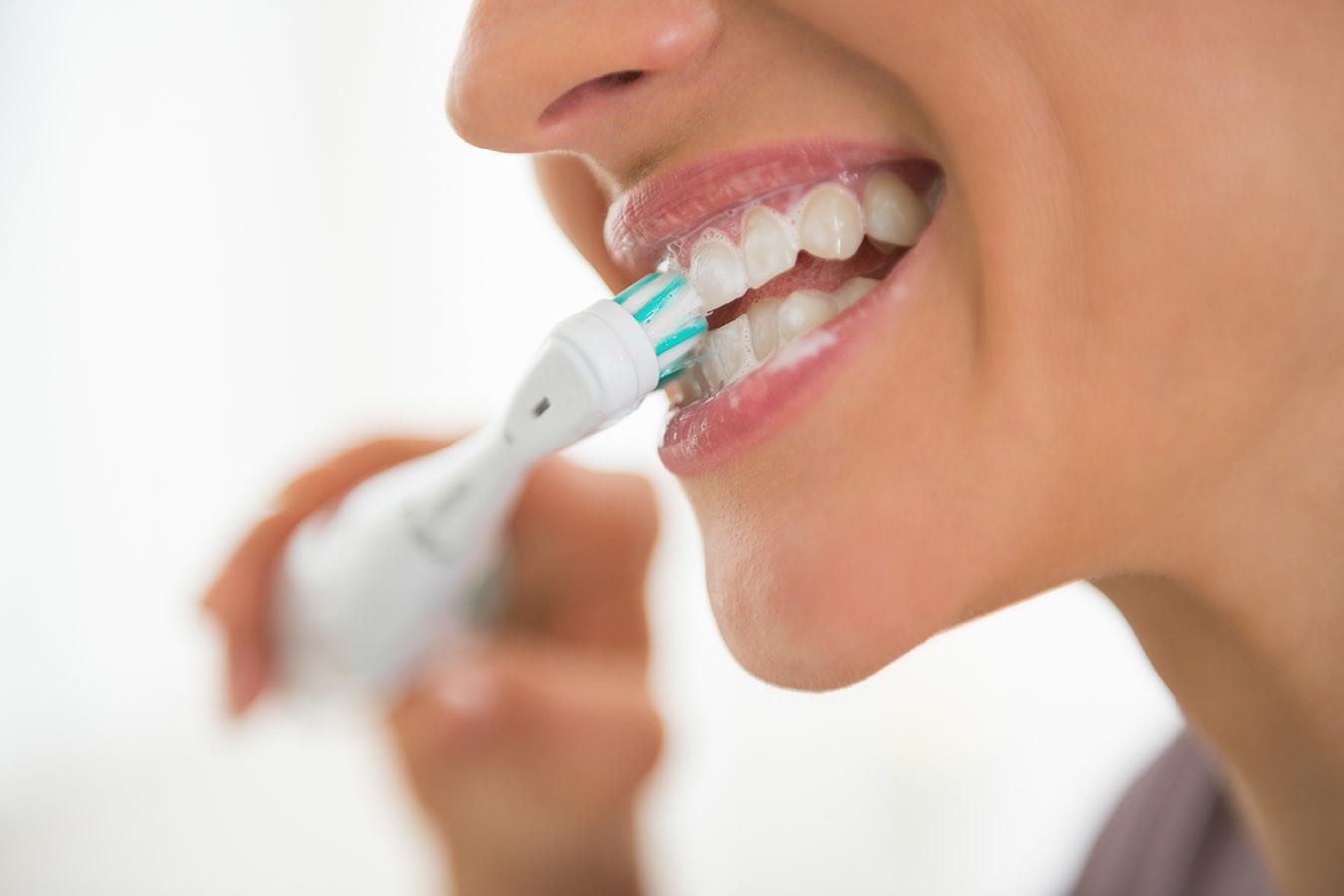 Az elektromos fogkefe előnyei